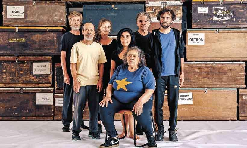 Criação coletiva: livro documenta as quase quatro décadas de trajetória do Grupo Galpão